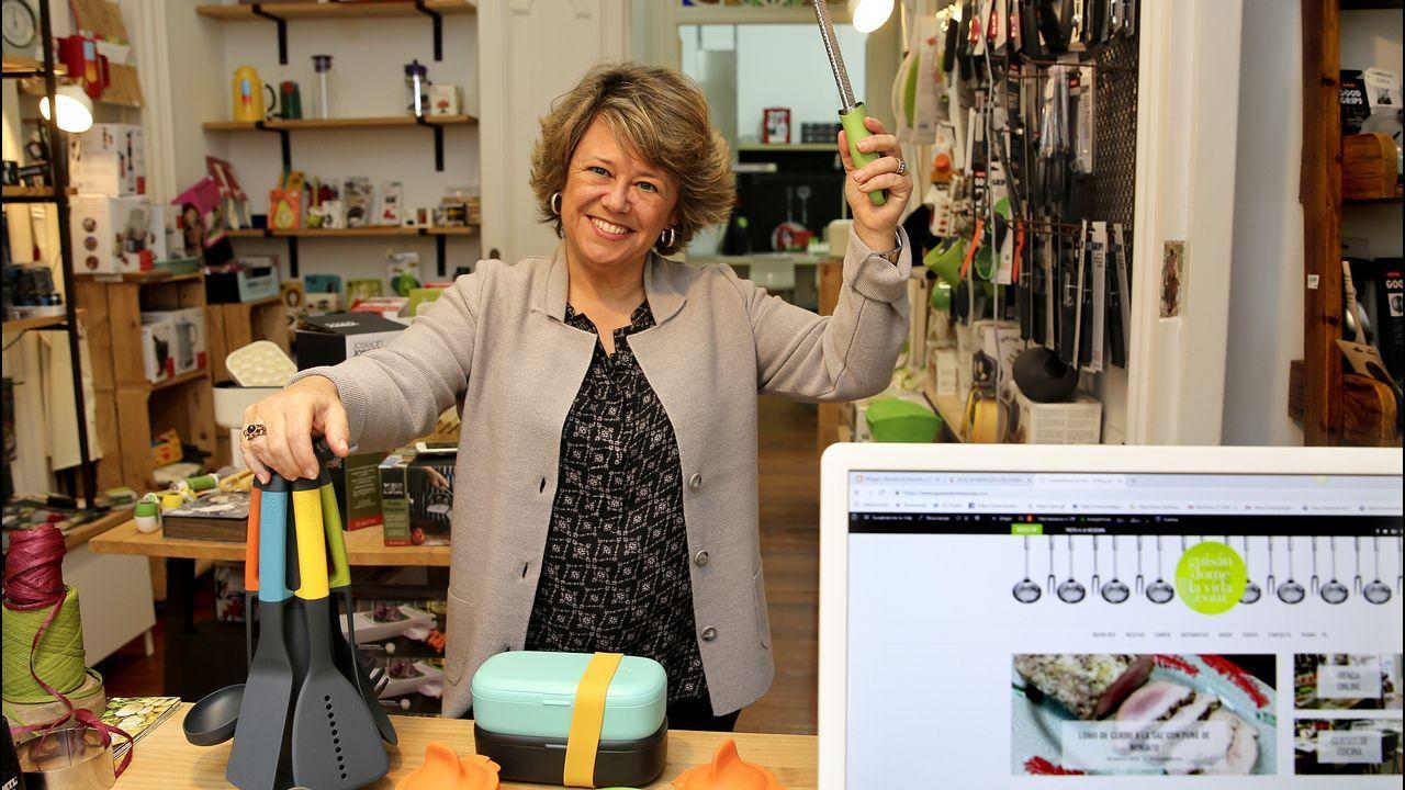 Carmen Albo. Guisándome la vida. Una maestra de la cocina  facilona y lucida . Carmen Albo enseña en la Red y en su tienda taller de Vigo a hacer cocina fácil y lucida. Tiene dos ingredientes estrella, imaginación y humor.