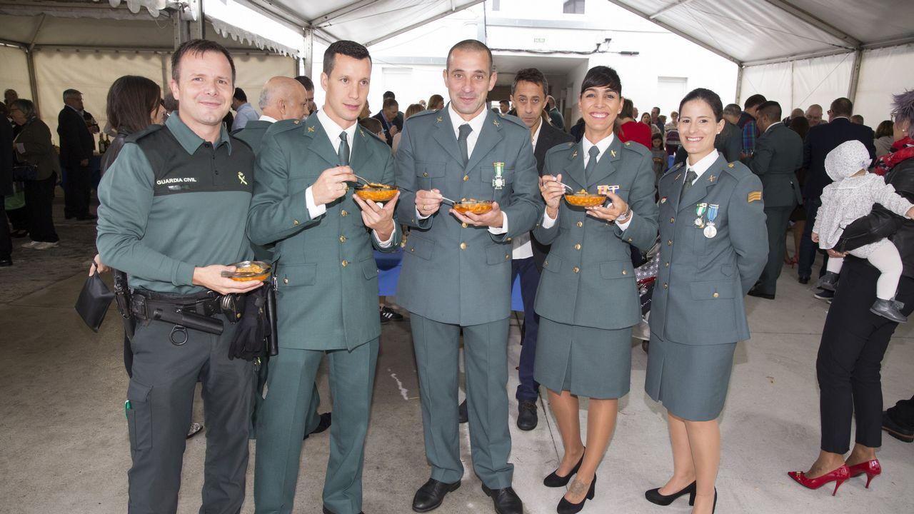 Así fueron las celebraciones por el Día del Pilar en la comarca.Roberto Vidal, de Corme, será el patrón mayor más joven de la comarca