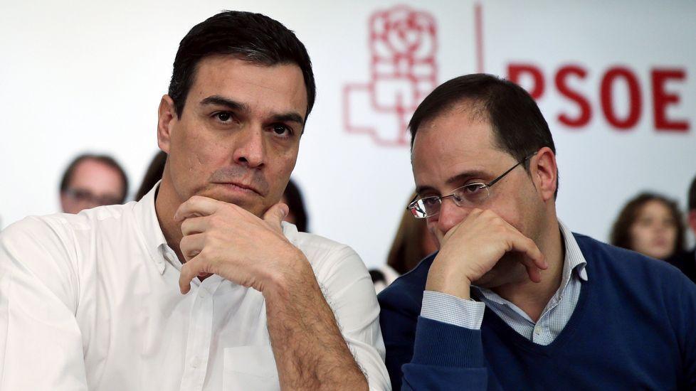 El comité federal del PSOE, en fotos.Un momento de la representación del sábado en el Pazo da Cultura de Narón