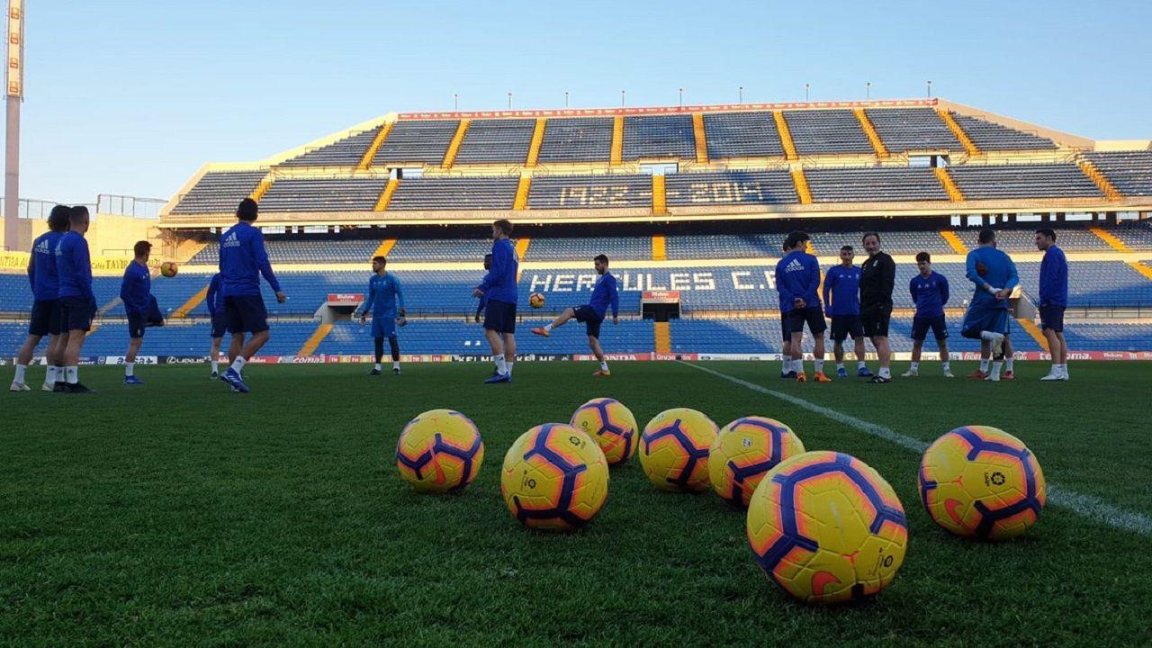 Los jugadores del Oviedo en el Rico Pérez