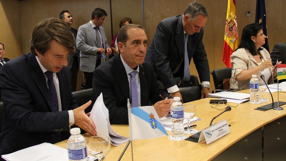 El conselleiro de Facenda, Valeriano Martínez (segundo por la izquierda), en el Consejo de Política Fiscal.