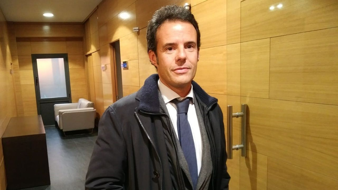 Juan Vázquez.El decano del Colegio de Abogados de Oviedo, Ignacio Cuesta