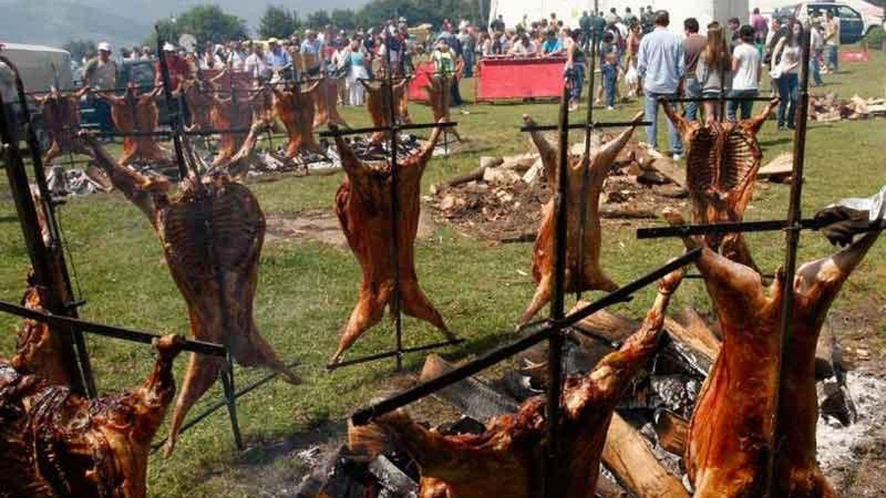 Fiesta del cordero en el prau L.lagüezos