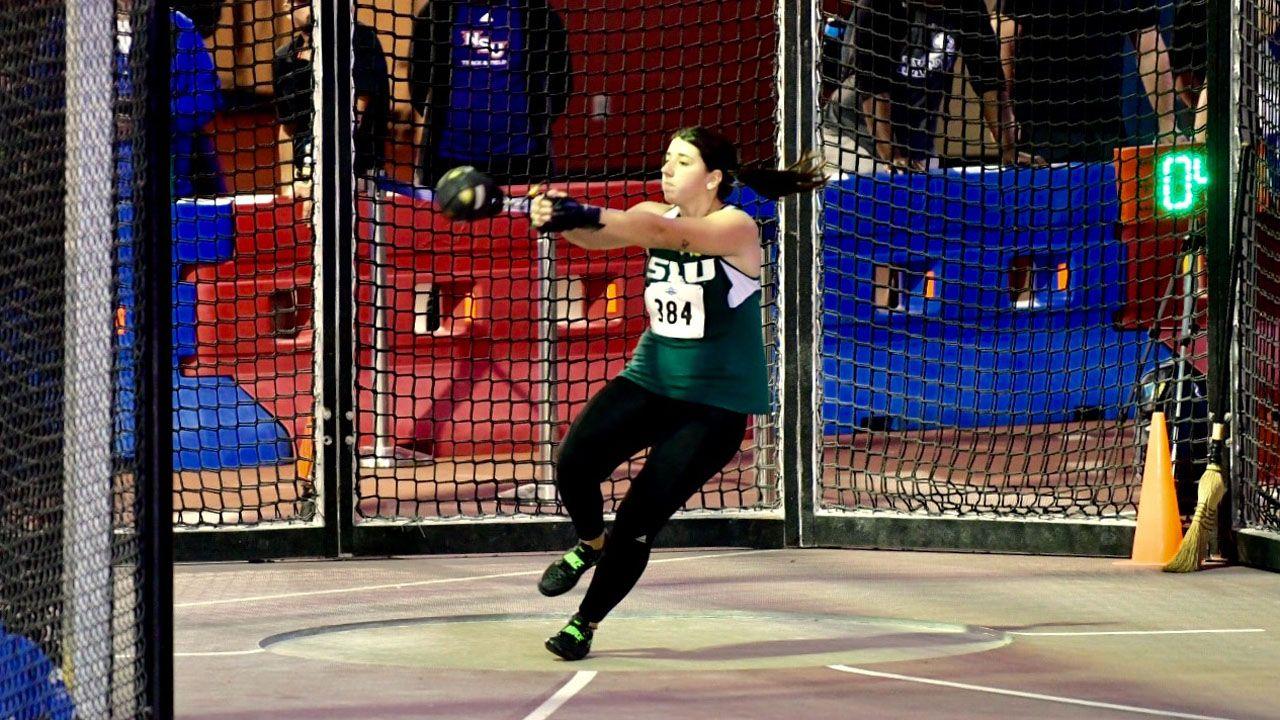 Natalia Redondo, en una de sus competiciones de lanzamiento de martillo