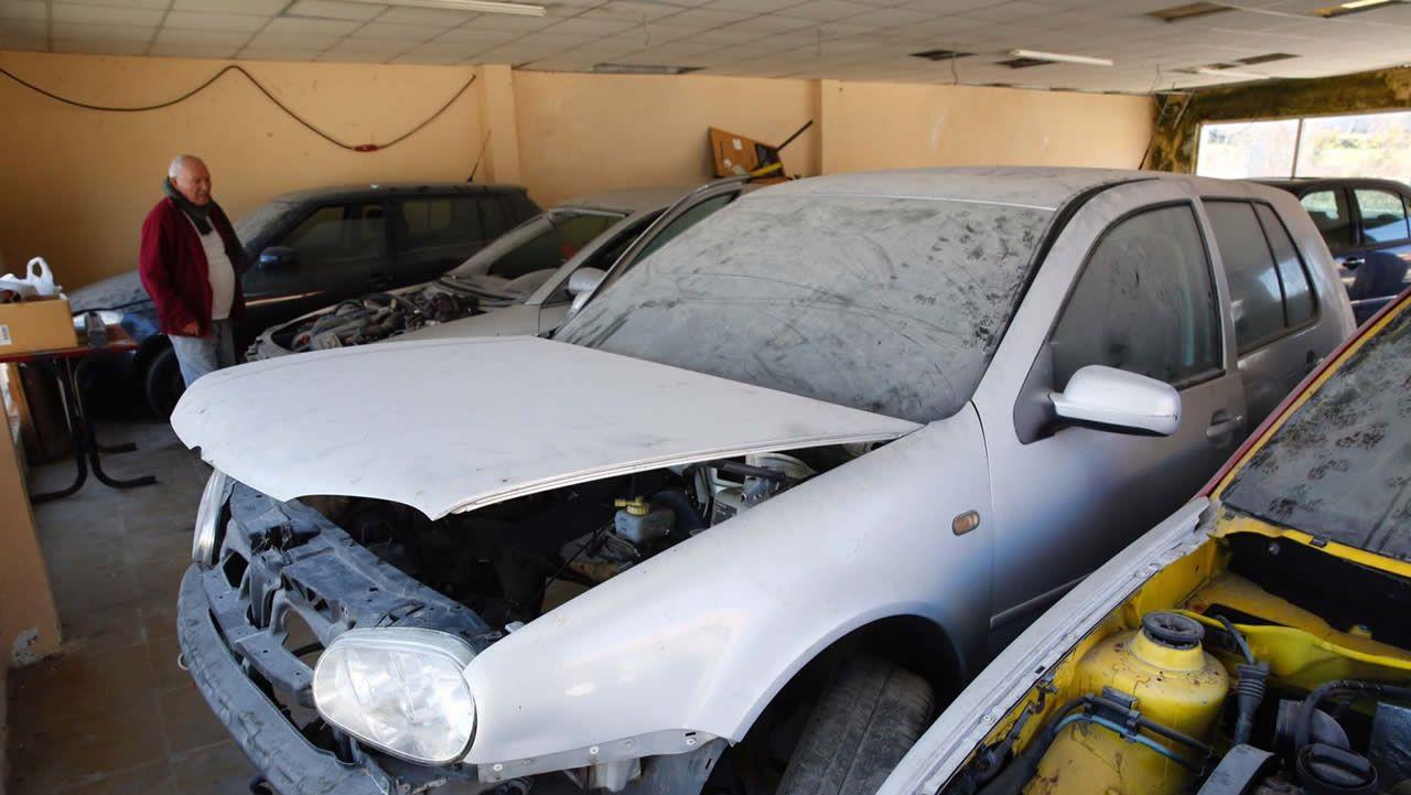 Taller de Vilalonga, en Sanxenxo, donde la Policía inspeccionó el coche de la pareja de David Araújo, también investigado en el caso de Sonia Iglesias.
