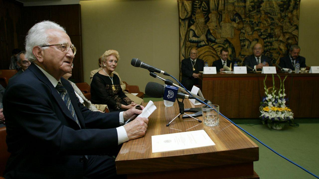 Tavani, en maio do 2004, durante a lectura do seu discurso como académico de honra da RAG