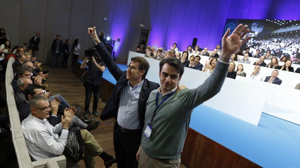 XV Congreso del PP de A Coruña.Con jersey naranja, en primera fila, Jaime, que hizo de presentador del acto en el que se inauguró oficialmente la sede.