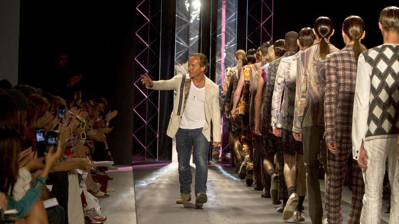 Letizia elige una vez más moda gallega.Instalaciones de Lonia Textil en el polígono industrial de Pereiro de Aguiar