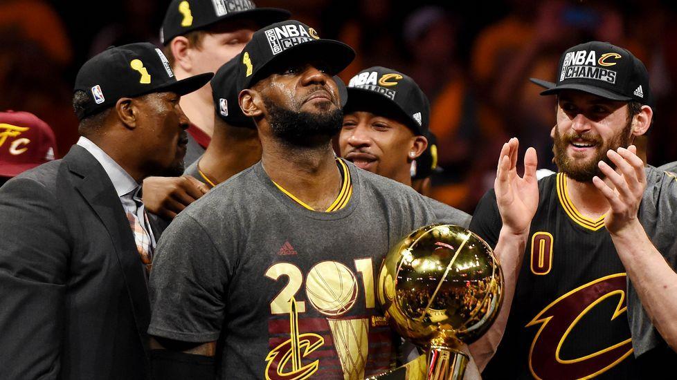 LeBron: «Volví para lograr el título con Cleveland».