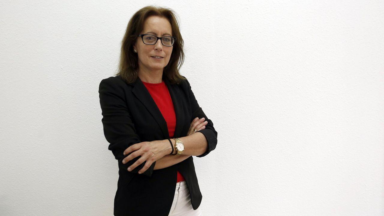 Una senadora del PP reprocha al Gobierno que destine 15 millones a «desenterrar unos huesos».El presidente de VOX, Santiago Abascal