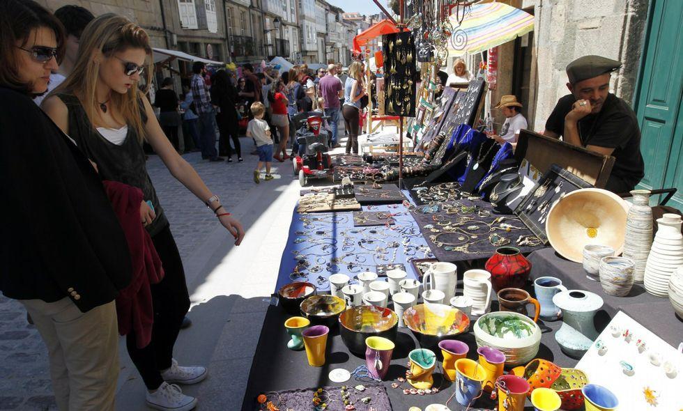 La Feira da Primavera reúne cada año en el barrio de San Pedro a cientos de visitantes.