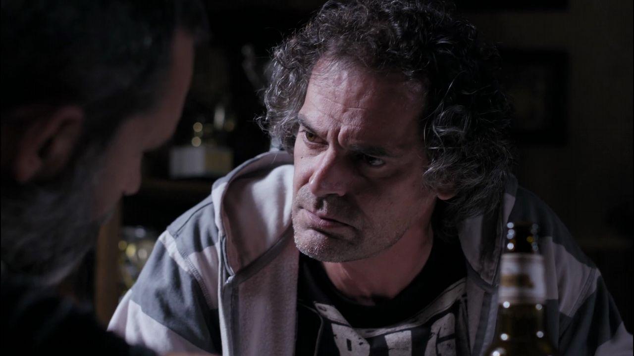 Chechu Salgado como Román Fiúza nunha secuencia de Serramoura