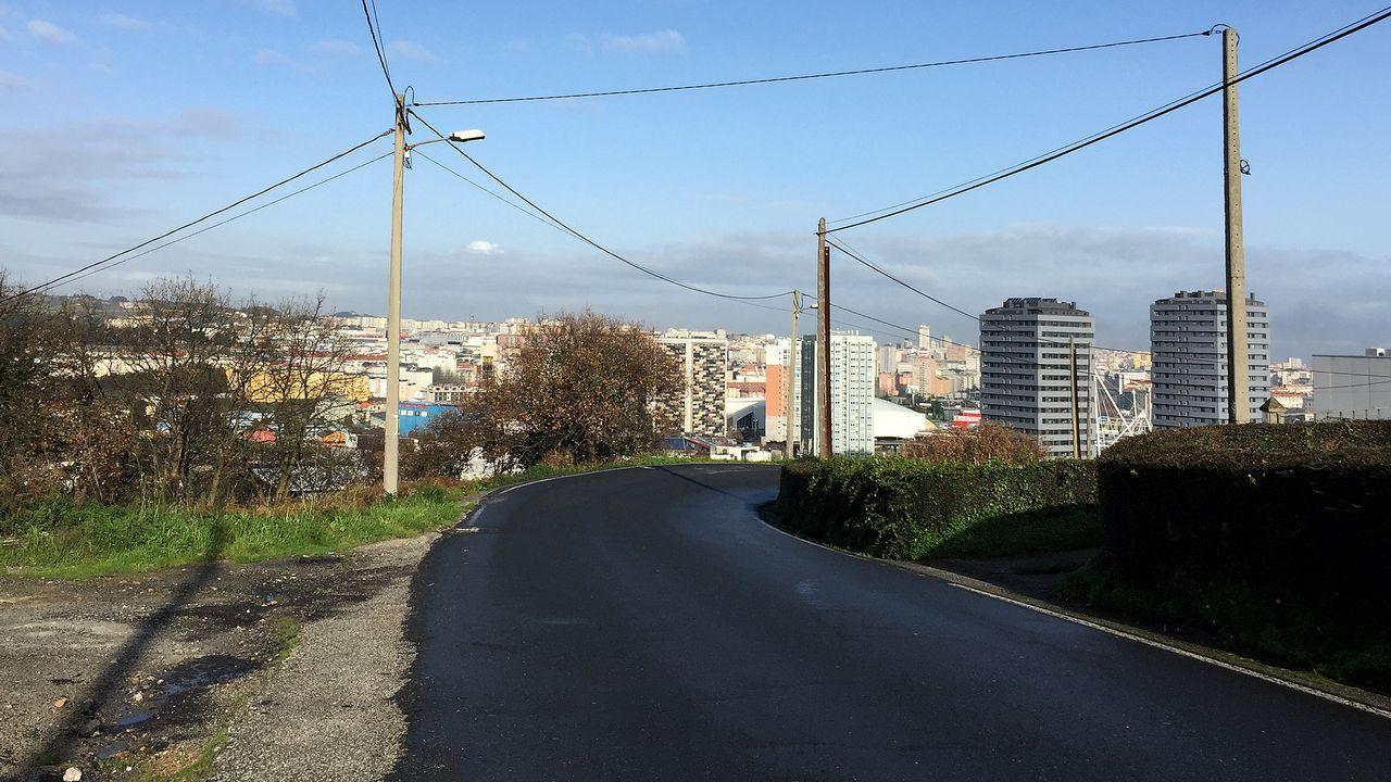 .Castro de Elviña: calles sin aceras