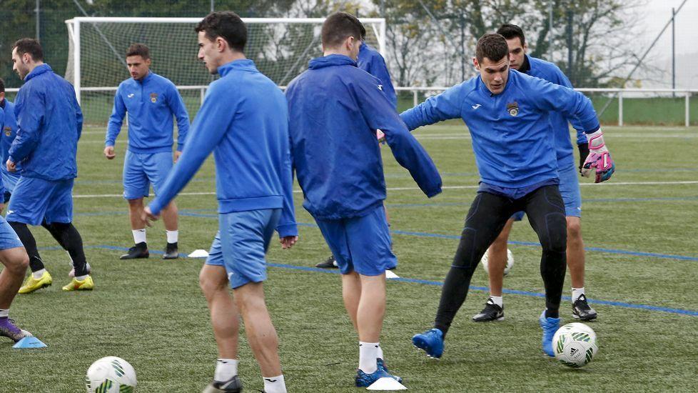 Las imágenes del partido entre el Pontevedra y el Sanse.Entrenamiento Pontevedra CF