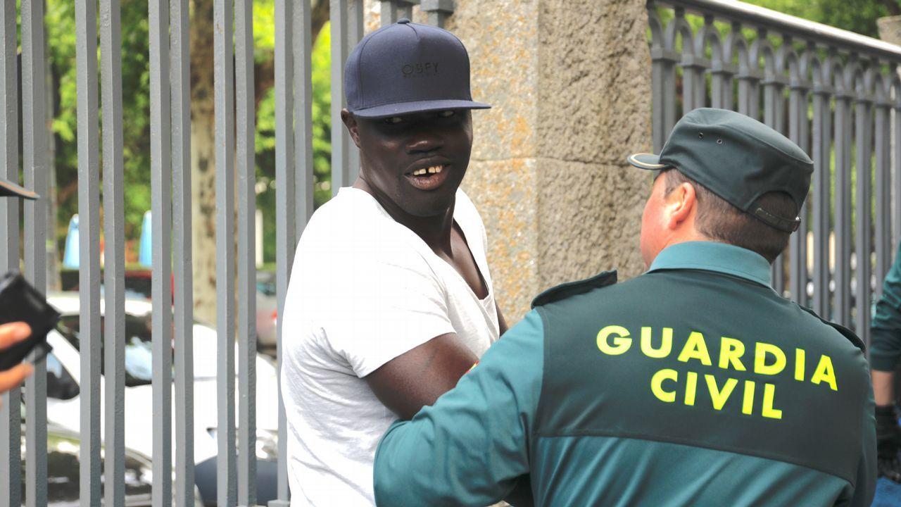 Ibrahima llega al juzgado para conocer el veredicto del jurado.