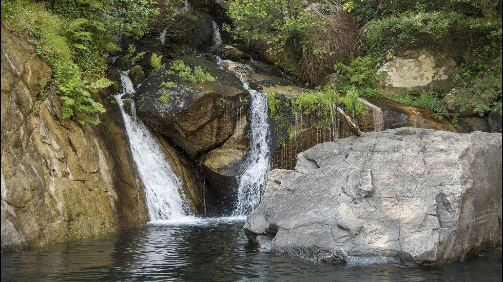 Uno de los arroyos que desembocan en el Sil en el tramo por el que discurre la ruta