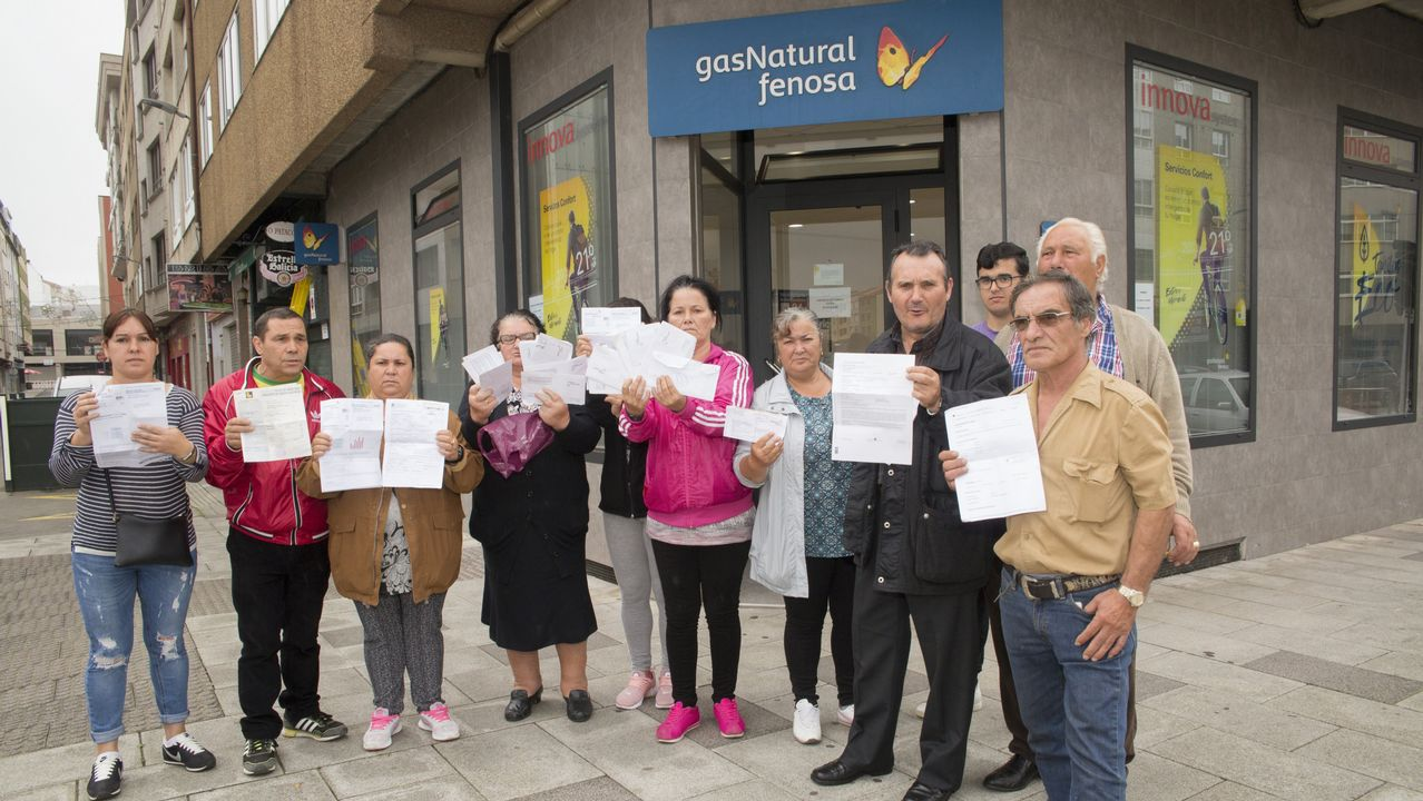 Ocho familias de A Grela llevan varios días sin luz: así reivindicaron
