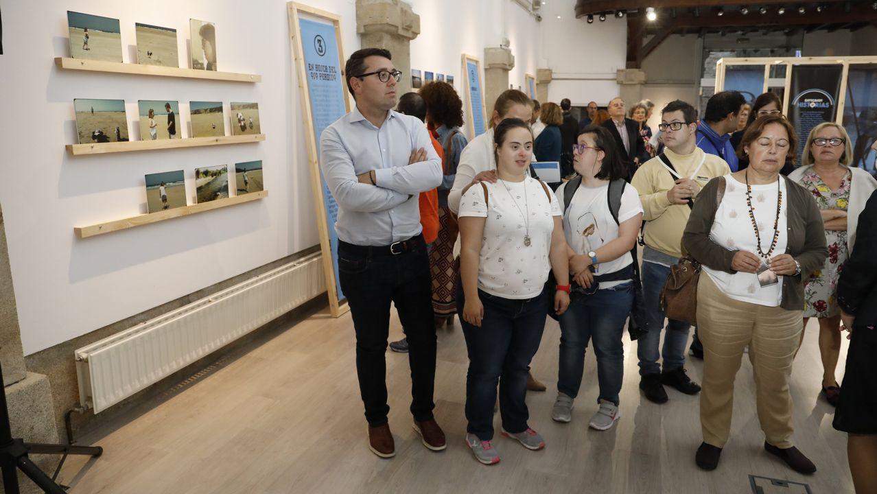 Exposición de fotografías Enfocando Historias realizadas por usuarios de Down Lugo