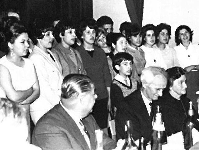 .Avelino Díaz en una audición en el programa de Maruxa Boga y años después en un homenaje