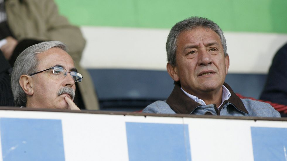 .Criado y Silveira, en el palco de A Malata durante un partido a finales del 2008
