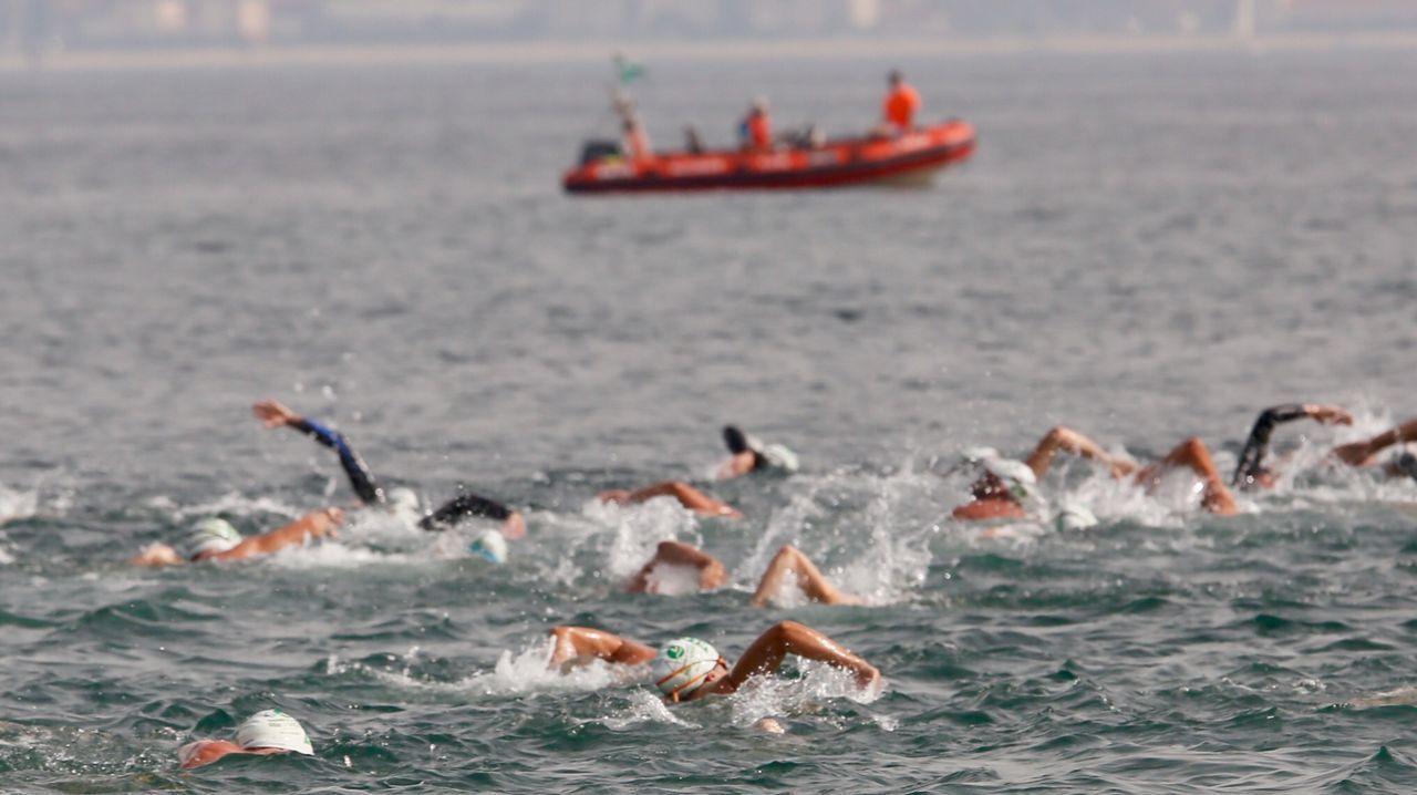 La 40ª edición de la Travesía a nado El Corte Inglés de Vigo, en imágenes.