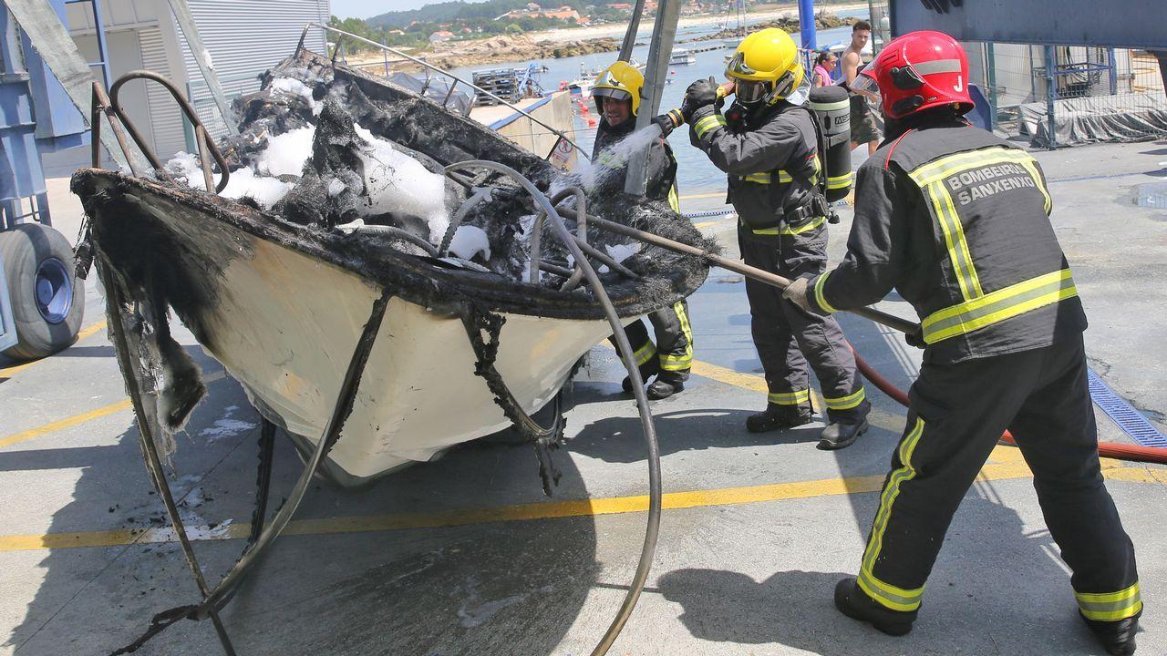 .La embarcación quedó muy afectada por el fuego, del que todavía se desconocen las causas