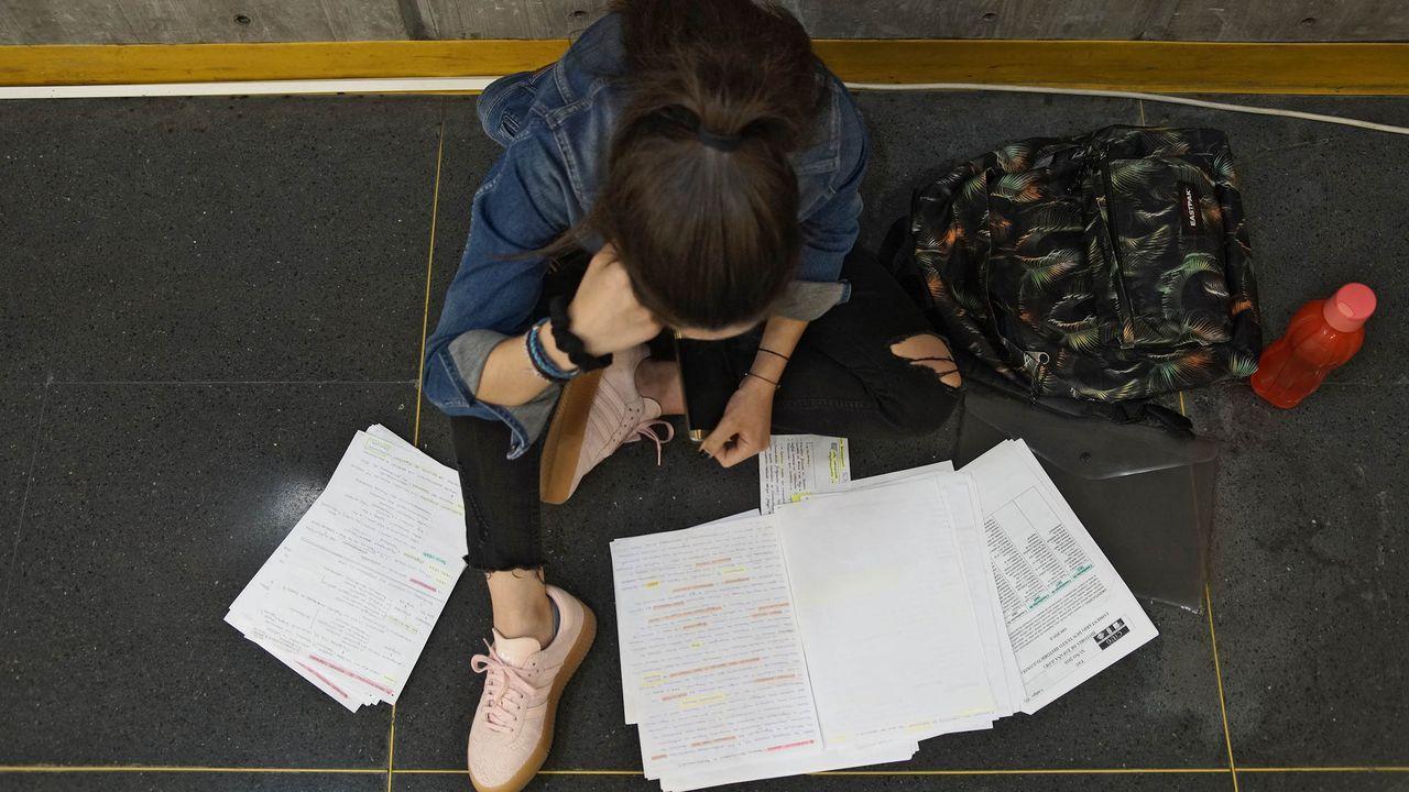 En los campus estan los servicios LERD para atender a los estudiantes, donde se pueden tramitar reclamaciones o cualquier parte del proceso de la matrícula