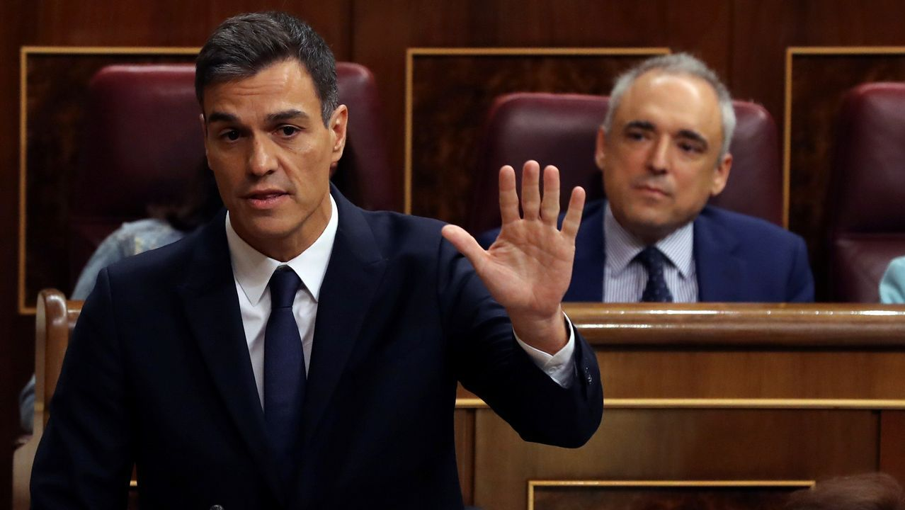 Núñez Feijoo: «Estoy trabajando para la próxima década».De izquierda a derecha, Irene Garrido, José Ramón Lete, Javier Dorado y Santiago Villanueva