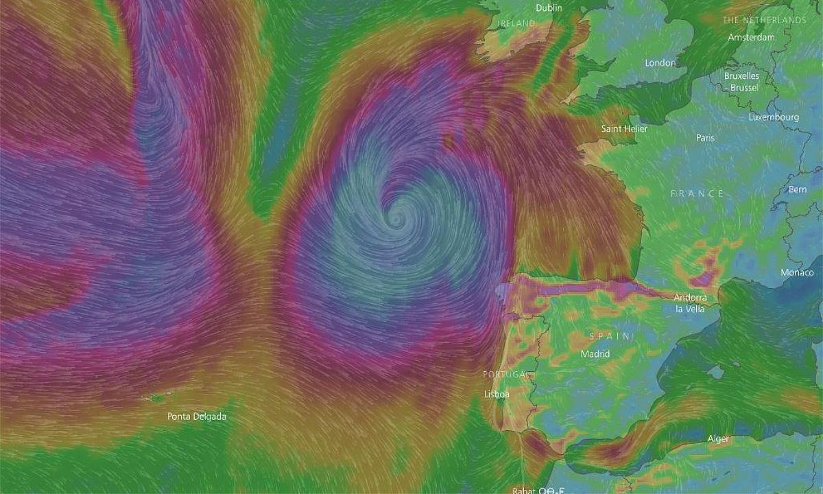 Mapa de vientos previsto durante la jornada del domingo, coincidiendo con la máxima aproximación del ciclón