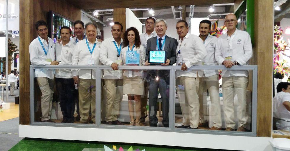 El nuevo World Trade Center.Alejandro Rubín, junto a representantes del estado mexicano de Morelos, que participará en Xantar 2016.