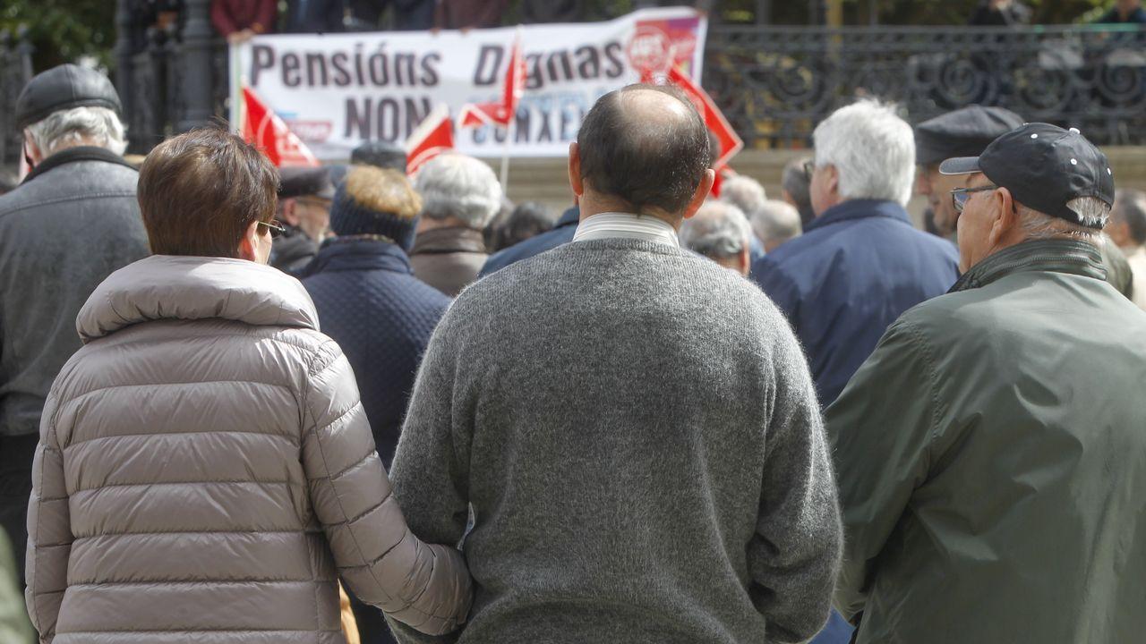 .Ferrol. Decenas de personas participaron en la movilización convocada.