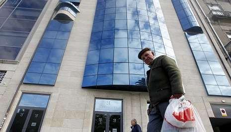 Edificio donde están las oficinas de Valery Karpin, en la calle Areal, de Vigo.
