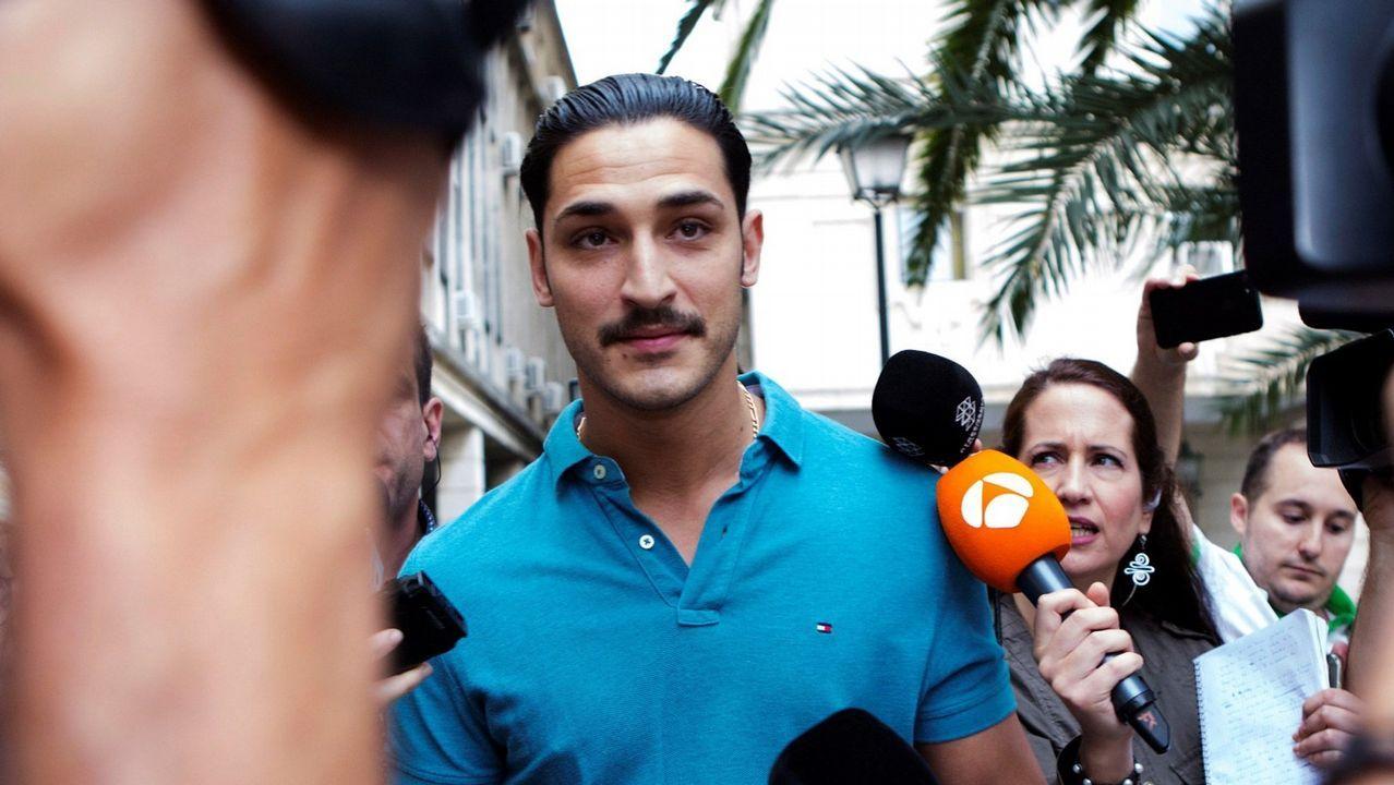El guardia civil de La Manada niega haber tenido un teléfono móvil en prisión.José Ángel Prenda, uno de los miembros de la Manada