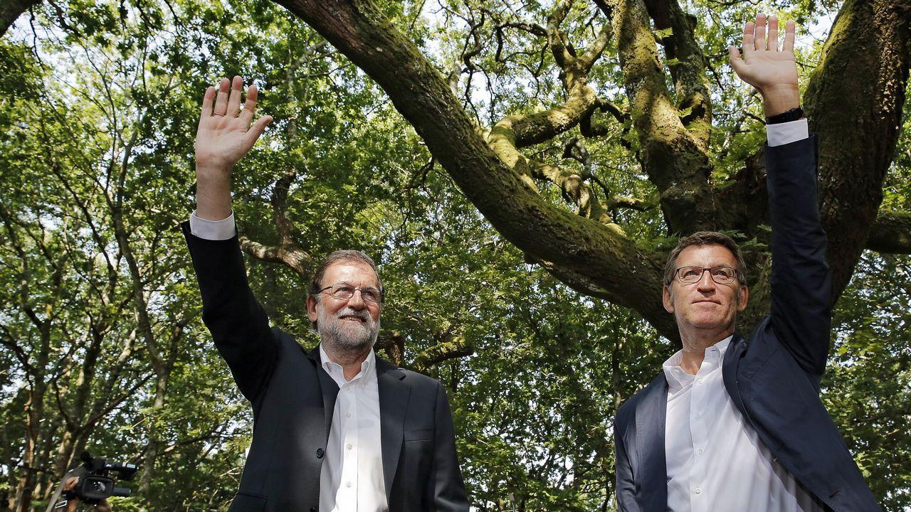 Rajoy: «Es absurdo pretender que Cataluña salga de la UE».El líder del PSC, Miquel Iceta