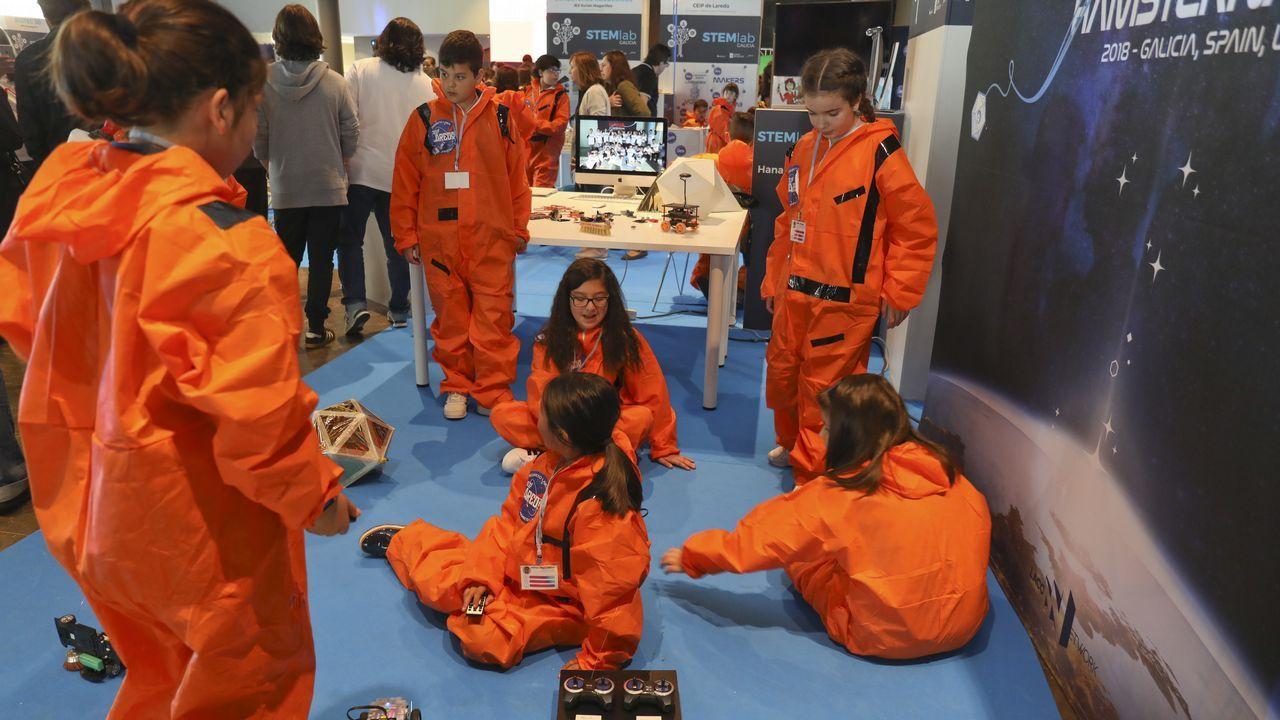 Los pequeños científicos muestran sus proyectos a Pedro Duque.Sylvia Earle, Premio Princesa de Asturias de la Concordia 2018