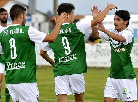 El brasileño Luis Henrique (derecha) es uno de los jugadores sobre los que el Racing decidirá hoy.