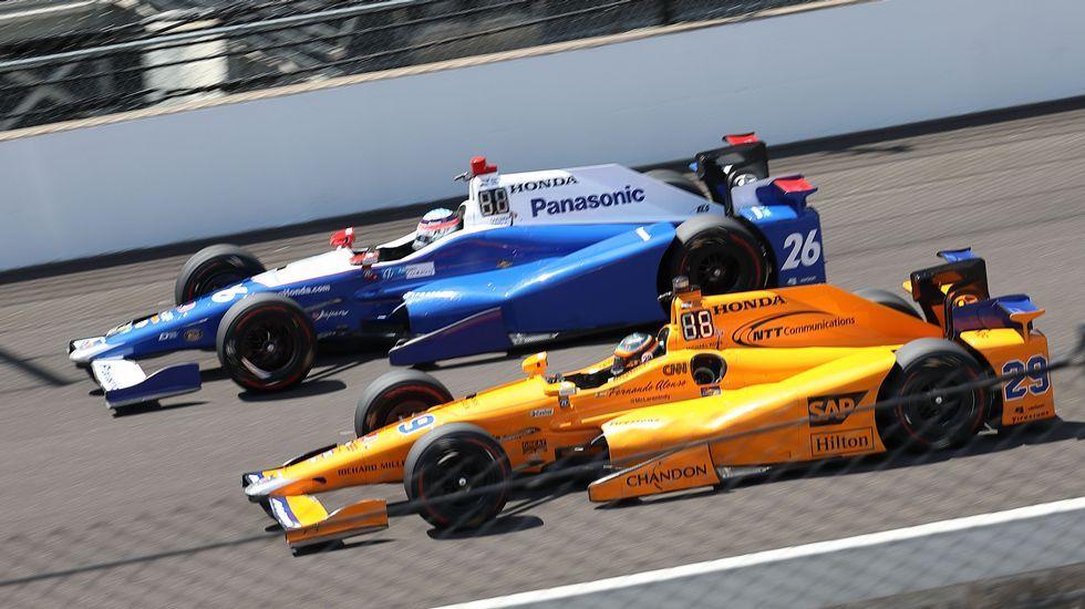 El asombroso doble adelantamiento de Fernando Alonso en Indianápolis.