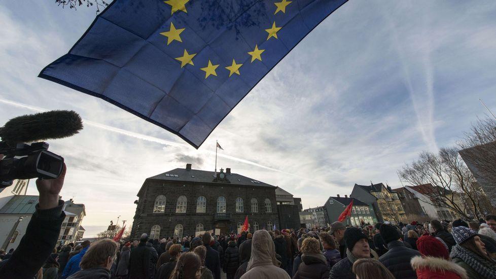 .Manifestantes en Reijkjavik