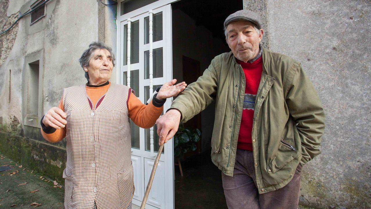 Generosa y Miguel, en su casa de Xermar