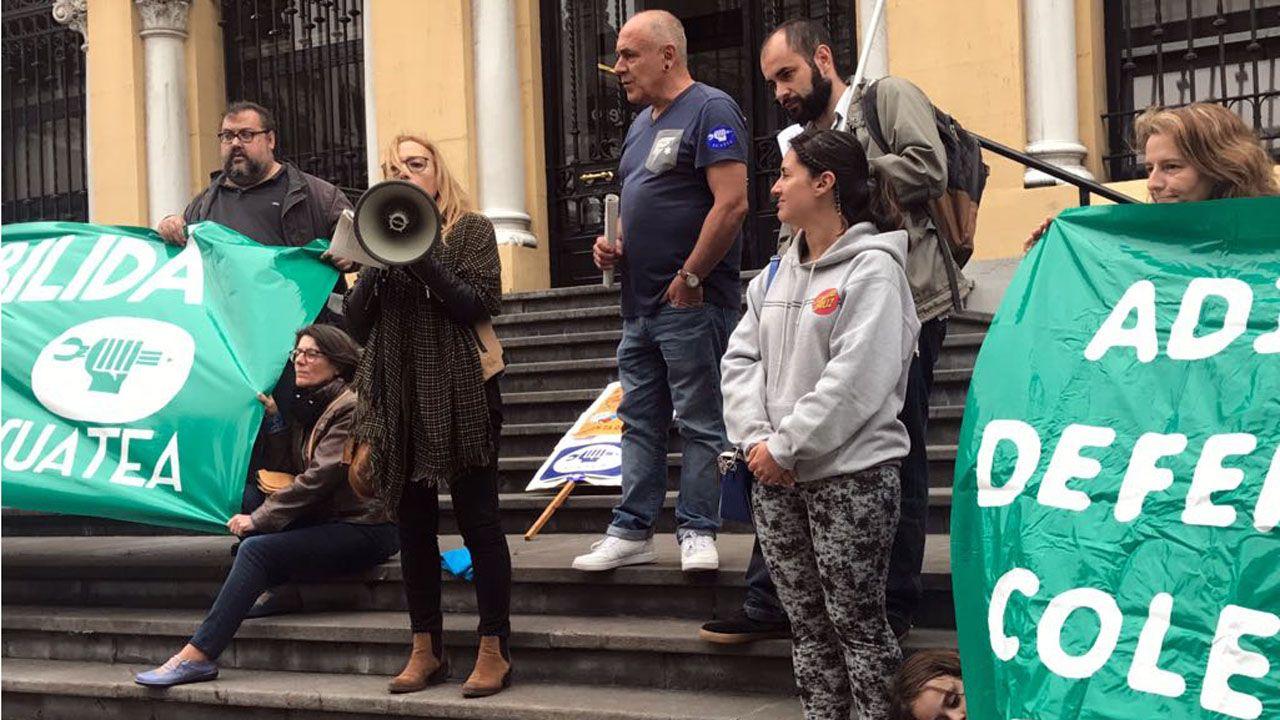 Los interinos temen un ERE masico en las próximas oposiciones.Manifestación del Primero de Mayo de 2017