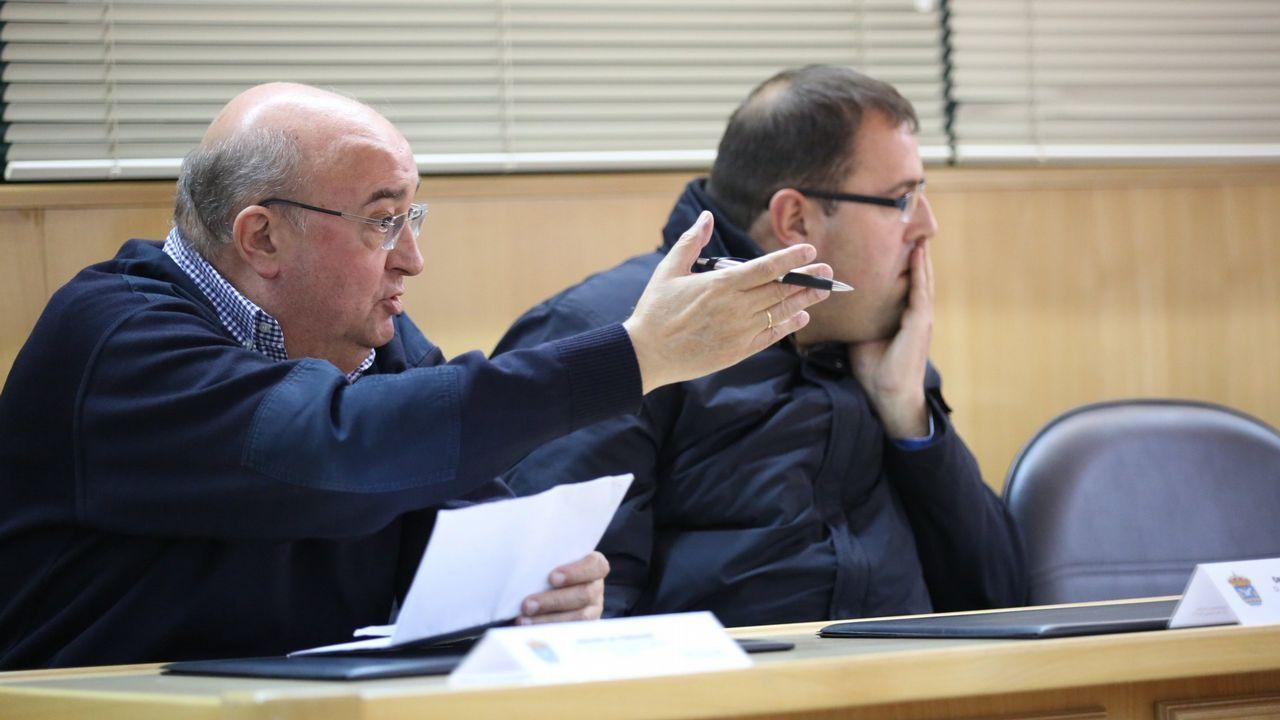 Iván Añón y los otros dos acusados durante el juicio que se celebró en el 2008 en la audiencia de A Coruña