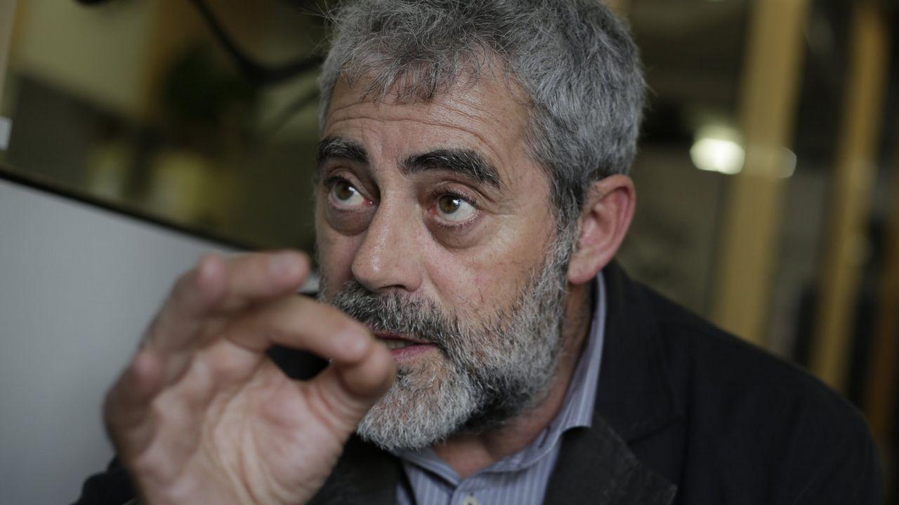 Cans calienta motores para su edición número 16.Brandán Cerviño durante a filmación do seu documental  En la boca de la mina  no municipio de Santiago de Cuba