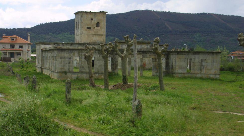 En Caldeliñas hubo un balneario, ahora en ruinas