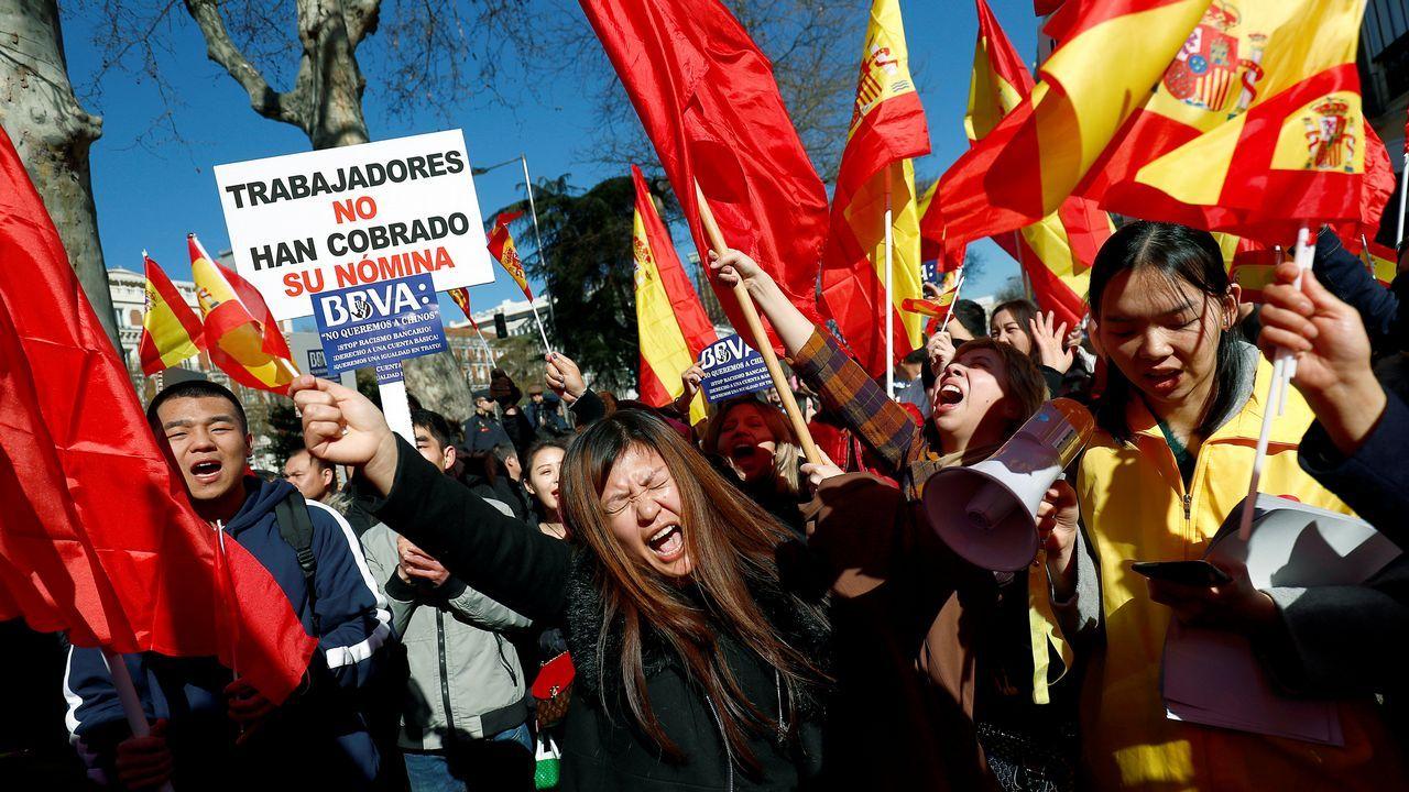 El BBVA dice que solo cumple con la ley ante la manifestación de la comunidad china por el bloqueo de sus cuentas