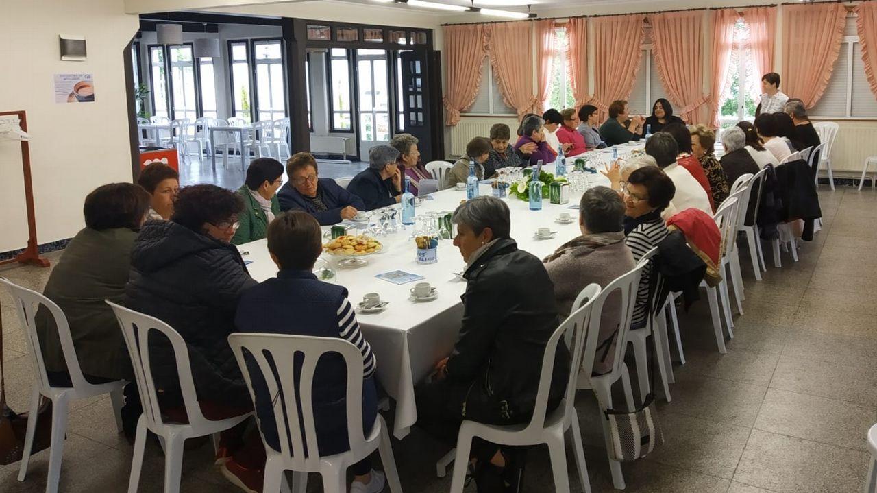 Pedro Sánchez visita Oviedo junto a Wenceslao López, Adrián Barbón y Adriana Lastra.Camarero
