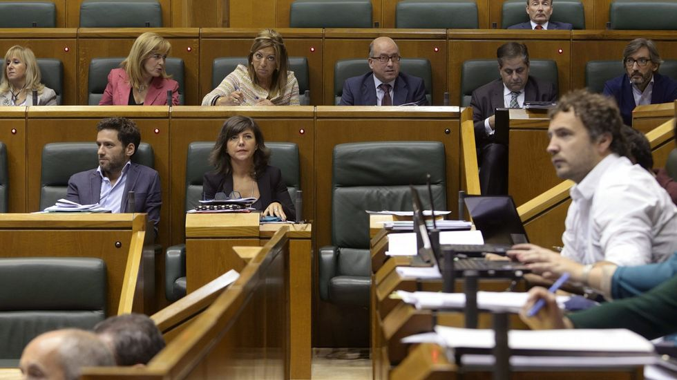 Carme Chacón e Irene Lozano no estarán en las listas a las próximas elecciones.Sadat Maraña junto a Albert Rivera en una imagen de Twitter