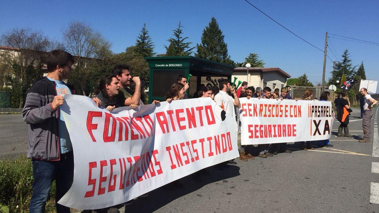 Las protestas por la pasarela de Guísamo continuarán en mayo