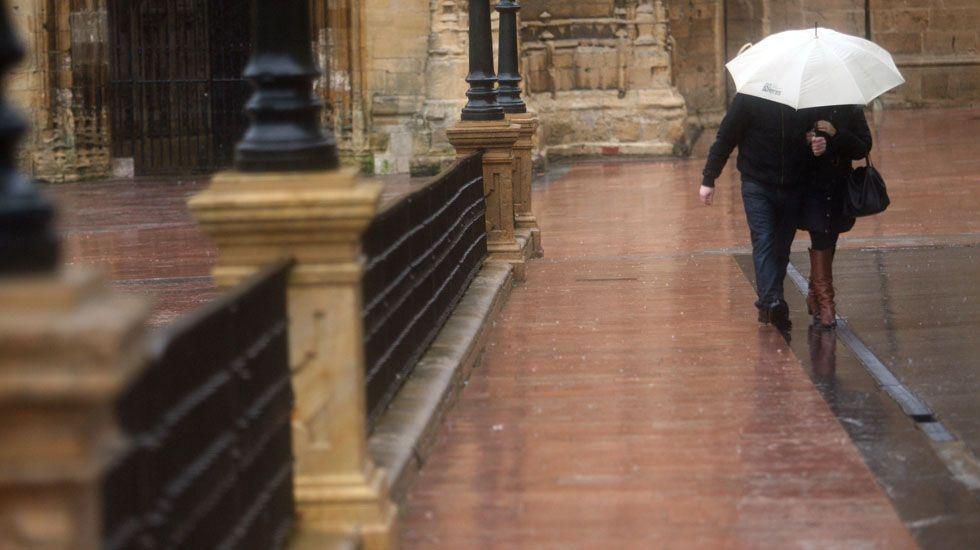 Un joven mata a su padre tras llegar a casa y encontrar a su madre muerta en las Palmas de Gran Canaria.Lluvia en Oviedo