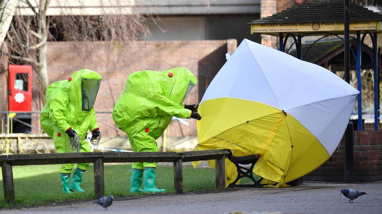 .Equipos de emergencia en los alrededores del domicilio de los Skripal, el 8 de marzo