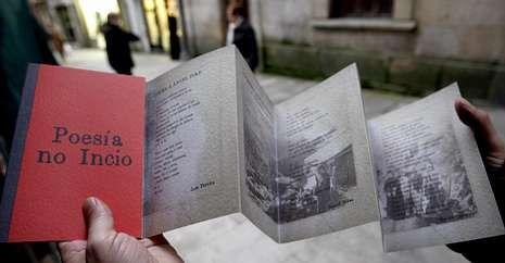 O primeiro volume da serie é unha antoloxía poética editada cun peculiar deseño.